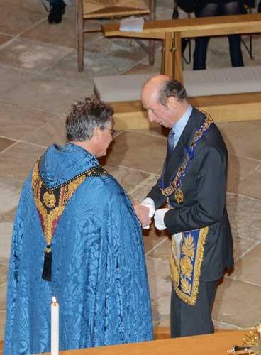 O Grão-Mestre da GLUI recebido pelo Deão da Catedral